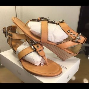 COACH Viktoria Leather T-Strap Thong Wedge Sandals